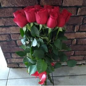 11 роз без упаковки под ленту